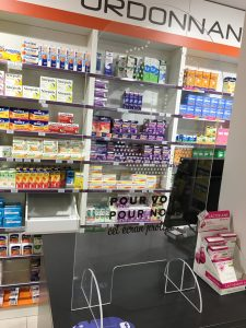 Vitre de protection pharmacie